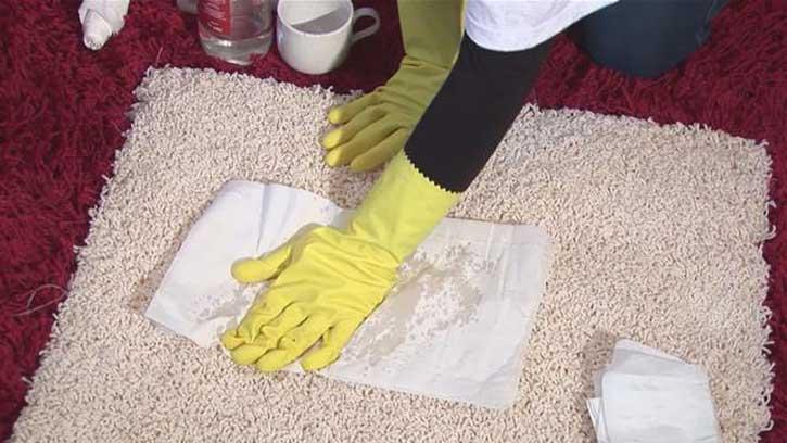 виду как отстирать запах мочи с одежды или хлопковое белье