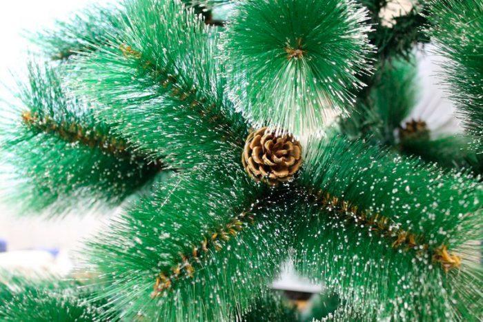 Чем выгодны искусственные елки