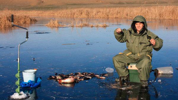 Атрибуты для зимней рыбалки